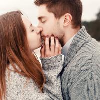 Von ersten Blick zum ersten Kuss -bei unseren Online Singles sprühen die Funken.