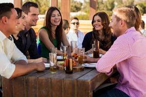 Auf Events kannst ganz einfach und ungezwungen andere Singles zum Dating kennen lernen.